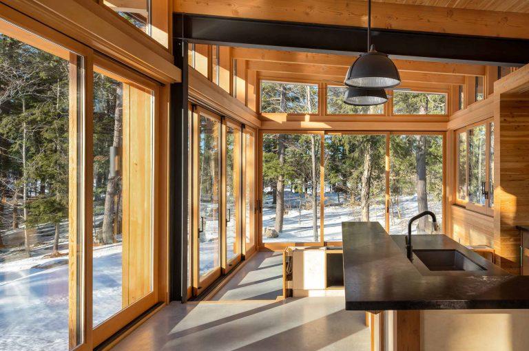 Muskoka Cottage Architect Trevor McIvor Timber Construction Kitchen Design